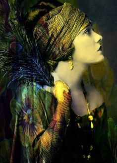 Gloria Swanson, 1920s by Alfred Cheney Johnston (digitally enhanced by Lise Marion)