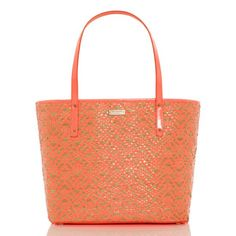 kate spade   bayside park small coal in natural/flo coral