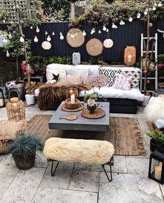Bohemian Patio, Bohemian Decor, Terrasse Design, Design Exterior, Bohemian Furniture, Backyard Patio Designs, Patio Ideas, Diy Patio, Yard Ideas