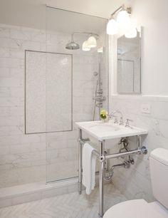 theatre patrons' pied-à-terre, upper west side, nyc - darci hether Marble Bathroom Floor, All White Bathroom, White Marble Bathrooms, Shower Floor Tile, Bathroom Tile Designs, Bathroom Images, Bathroom Renos, Bathroom Interior Design, Bathroom Renovations