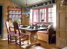 Du trenger ikke å pusse opp for å få koselig hytte Home, Comfy Cozy Home, Cozy House, Cabin Kitchens, Rustic Space, Country Dining, House Interior, Cabin Living, Cabin Interiors