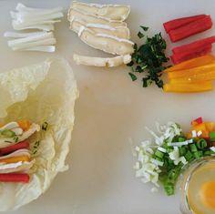 """Páči sa mi to: 106, komentáre: 2 – Antónia Mačingová (@antonia_macingova) na Instagrame: """"Nech sa páči, recept č. 3 🙂  Chcela som niečo ako zdravý, slaný variant raňajok. Takže som…"""" Fresh Rolls, Ethnic Recipes, Food, Food Food, Essen, Meals, Yemek, Eten"""