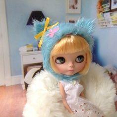 Blythe Doll Kitty Helmet / faux fur / blue