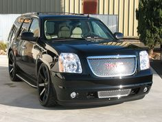 GMC Yukon Denali On 26 Inch Rims Find the Classic Rims of Your Dreams - www.allcarwheels.com