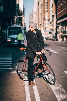 Will rides an SE Draft Lite fixed gear bicycle photographed at 5th Ave. and 25th St. during his lunch break