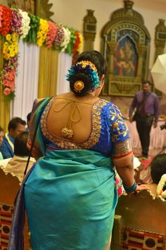 I like this type of middle-aged lndian aunties, fantastic figure, BEAUTIFUL perfect figure Beautiful Girl Indian, Most Beautiful Indian Actress, Beautiful Saree, Beautiful Women, South Indian Actress Hot, South Indian Bride, Indian Wife, South Actress, Aunty In Saree