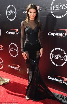 ESPY Awards 2015 - Kendall Jenner in Alexandre Vauthier Haute Couture - July 2015 Alexandre Vauthier, Le Style Du Jenner, Beautiful Dresses, Nice Dresses, Kendall Jenner Mode, Ciara And Russell Wilson, Victoria's Secret, Mein Style, Kardashian Style