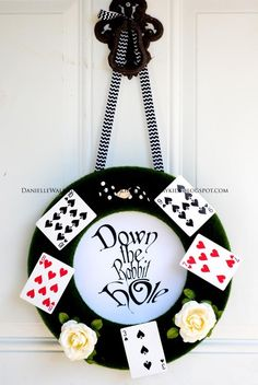 Cool wreath at an Alice in Wonderland party!