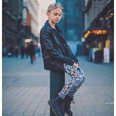 Urban look made easy. Only a few Vimma leggings left now!  #buk  #kidsleggings