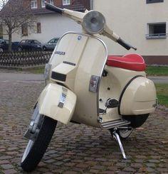 Vespa PX80 Lusso RAL 1015 Hellelfenbein