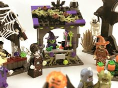 Lego Halloween, Diy Halloween Village, Halloween Scene, Halloween Treats, Lego Haunted House, Lego House, Lego For Kids, All Lego, Lego Duplo