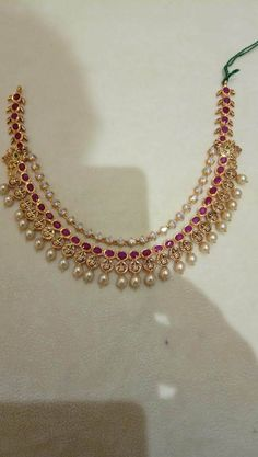 Pearl Necklace Designs, Jewelry Design Earrings, Gold Earrings Designs, Gold Designs, Gold Necklace Simple, Gold Jewelry Simple, Gold Bangles Design, Gold Jewellery Design, Indian Jewelry Sets