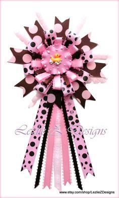 Rubber Ducky Theme Baby Girl Shower Corsage Pin Keepsake - Mommy Badge Cold Porcelain Favor Brown Pink Polka Dot Ribbon Capia Grandma Mum Pin by LezlieZDesigns Baby Shower Pin, Baby Girl Shower Themes, Baby Shower Parties, Baby Shower Gifts, Baby Corsage, Corsage Pins, Baby Shower Souvenirs, Pink Polka Dots, Baby Decor