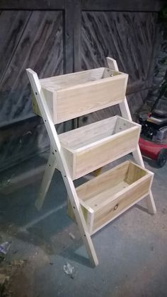 plant stand diy (plant satnd ideas) Tags: DIY plant stand indoor plant s Tiered Planter, Garden Planter Boxes, Wood Planter Box, Wood Planters, Planter Pots, Diy Garden Box, Planter Ideas, Flower Planters, Herb Garden