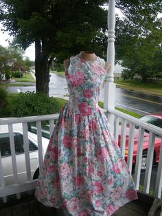 Peggy Sue Got Married Style Day Dress.  Floral with Bow Detail and Built in  Crinoline. size 5/6. 1980s. $58.00, via Etsy.