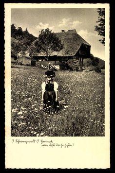 Postkarte: Frau in Schwarzwälder Tracht mit Bollenhut #Gutachtal