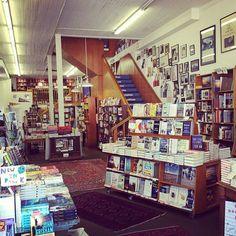 Comment vous désintoxiquer d'Amazon et autres entrepôts de livres et redécouvrir le plaisir des vraies librairies... | Des livres et des Libraires... | Scoop.it