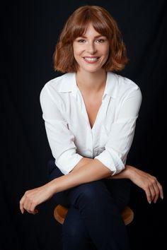 Business Portrait, Corporate Portrait, Corporate Headshots, Business Headshots, Professional Headshots Women, Professional Portrait, Profile Photography, Headshot Photography, Portrait Poses