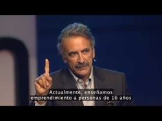 Ernesto Sirolli: ¿Quiere ayudar a alguien? ¡Cállese y escuche! - YouTube