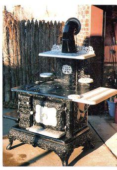 monarch antique wood stove | Antique Cook, Potbelly, Parlor & Coal Stoves | Antique Stoves