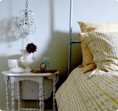 PAST AND PRESENT: FRENCH CHANDELIERS + DIY PROJECT - I'm obsessed with chandeliers and the mustard color here