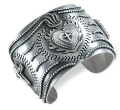 Milagros sacred heart bracelet