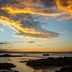 A beautiful sunset at Snapper Rocks #thisisqueensland photo @lizs_b