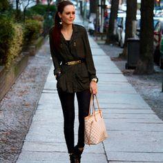 Katevrbica - Louis Vuitton Neverfull Azur. Black and Gold Berlin Street Style