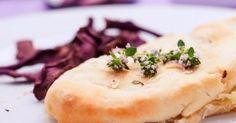 Braciole di maiale in crosta con carote viola
