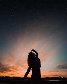 Silhouette Photography, Shadow Photography, Girl Photography Poses, Creative Photography, Nature Photography, Shadow Pictures, Foto Pose, Pretty Wallpapers, Aesthetic Photo