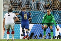 Palacio.... solo contra el arquero... afuera... tiempo suplementario.... Mundial Brasil 2014. partido final entre Argentina y Alemania en el Maracana de Rio de Janeiro. Brasil. 13 julio de 2014.