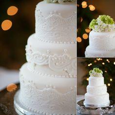 Simple lace design on wedding cake