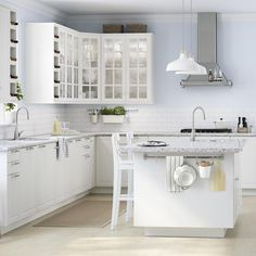 Clean and simple kitchen layout.