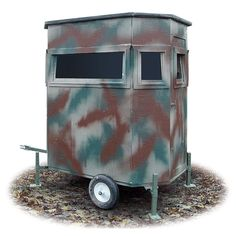x Portable Ground Blind Garetts next project Deer Hunting Tips, Deer Hunting Blinds, Hunting Cabin, Coyote Hunting, Hunting Stuff, Deer Stand Plans, Deer Stands, Tree Stand Hunting, Shooting House