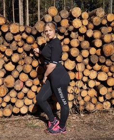 Das erste was ich gemacht habe, nachdem ich in meine Berliner Wohnung eingezogen bin,war mir ein Fitnessstudio in der Nähe meiner Wohnung zu suchen. Nicht weil ich in München so unsportlich war, oder weil ich hier mein Leben komplett neu umkrempeln will. Sondern einfach weil ich total motiviert bin momentan, und das auch gleich ausnutze. Sportlich bin ich schon immer, ich brauche Bewegung einfach, um mich lebendig und fit zu fühlen. Außerdem machen viele Sportarten mir mega Spaß, z.B…