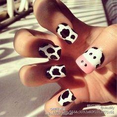 cow nails in black and white nails Nail Art Blanc, Nail Art Designs, Nails Design, Animal Nail Designs, Cow Nails, Nails For Kids, Cow Print, Creative Nails, Edgy Nail Art