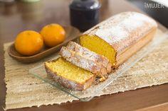 Torta de Mandarinas. Ingredientes: 3 mandarinas-2 huevo- 2 tazas de harina-1 taza de azúcar-2 cdas al ras de almidón de maíz-2 cdtas de polvo para hornear-1/2 taza de aceite de maíz-Pizca de sal. Preparación: Tamiza la harina, el almidón de maíz, el polvo para hornear y la sal en un bol.Licua la cáscara de mandarina junto con la pulpa.Incorpora el aceite, los huevos y el azúcar, y licua nuevamente.En un bol vierte la mezcla de la licuadora. y en una charola vierte todo y al horno durante 35…