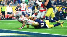 Buckeyes show strength in BattleFrog Fiesta Bowl win over Fighting Irish : Zeke  stretches for the end zone.