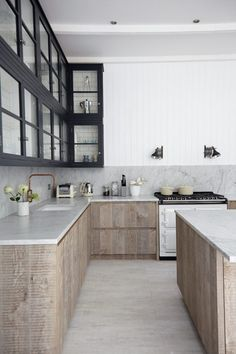 Check it out 138 Awesome Scandinavian Kitchen Interior Design Ideas www.futuristarchi… The post 138 Awesome Scandinavian Kitchen Interior Design Ideas www.futuristarchi…… appeared first on Cazoz Diy Home Decor . Scandinavian Interior Design, Scandinavian Kitchen, Scandinavian Style, Scandi Style, Interior Modern, Minimalist Interior, Yellow Interior, Minimalist Decor, Scandinavian Shelves