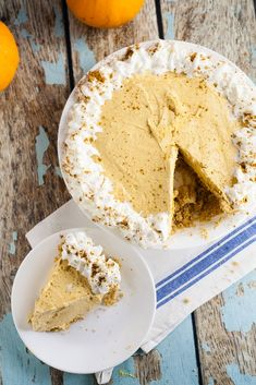 Pumpkin Silk Pie Recipe - Easy, no bake Pumpkin Silk Pie recipe has the silken creaminess of French silk pie, the tang of cheesecake, and the rich deliciousness of pumpkin. Make it in just 25 minutes! shared at katherines corner Holiday Desserts, Just Desserts, Delicious Desserts, Yummy Food, Yummy Treats, Sweet Treats, No Bake Pumpkin Cheesecake, Cheesecake Recipes, Dessert Recipes