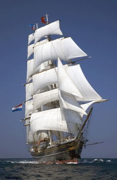 'Stad Amsterdam', the beautiful dutch clipper Sailing Girl, Old Sailing Ships, Boat Drawing, Ship Drawing, Ship Tattoo Sleeves, Anne Bonny, Sailing Tattoo, Sailboat Art, Sailboats