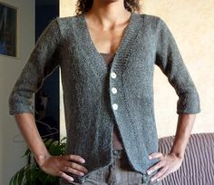 Ravelry: Tailored cardigan pattern by DROPS design Ladies Cardigan Knitting Patterns, Free Knitting Patterns For Women, Knit Cardigan Pattern, Drops Design, Pullover, Cardigans For Women, Mantel, Outfit, Clothes