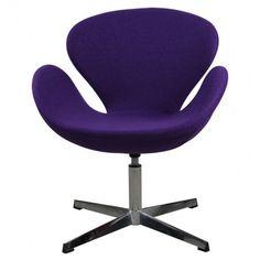 Sillón de diseño, giratorio, con base y columna cromada y aisento tapizado en tejido de color violeta     Ancho: 62 cm     Largo: 70 cm     Alto: 84 cm