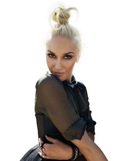 Gwen Stefani never ages! Her rocker style is young and fresh even though she's in her 40's!