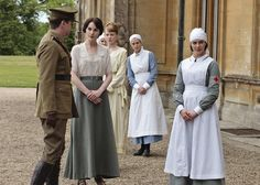 Lady Mary's Outfit. Downton Abbey Costumes | Season 2 Costume Highlights