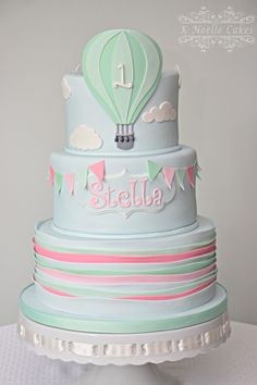 Birthday cake with hot air balloon theme by K Noelle birthday cake. More in my website Birthday cake with hot air balloon theme by K Noelle Cakes Birthday cake with hot air balloon theme by K. Baby Cakes, Girl Cakes, Baby Shower Cakes, Cupcake Cakes, 1st Birthday Cakes, Baby Girl 1st Birthday, Balloon Birthday, Birthday Ideas, Birthday Photos
