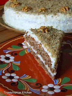Bucatar maniac si prietenii: Tort cu nuca (reteta ungureasca)