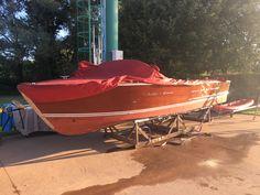 La storia: questa barca,di nome ORIO, varata per la 1^ volta nel 1962 - monta un motore originale del '62 chrysler da 195 cv 5,4L. Nel settembre del 2020, è stata portata lì per un importarnte opera di restauro terminata a Maggio 2021. A breve posteremo le foto aggiornate, quando sarà messa in acqua. Thing 1, Opera, Opera House