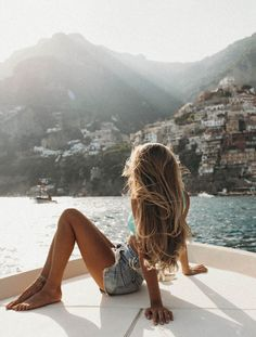 Spending the summer in Europe - first stop Italy! We hiked the path of the gods trail, swam in the Mediterranean sea, went out on a boat for sunset, explored the Amalfi coast, ate gelato in Positano, and stayed in the cutest hotel in Praiano. #wanderlust #travel #italy #longhair #summervibes