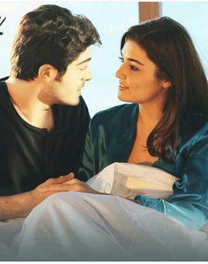 Pyaar lafzon me Kahan ❤❤ Couples In Love, Romantic Couples, Couples Images, Beautiful Love, Beautiful Couple, Murat And Hayat Pics, Most Handsome Actors, Romantic Pictures, Girly Pictures